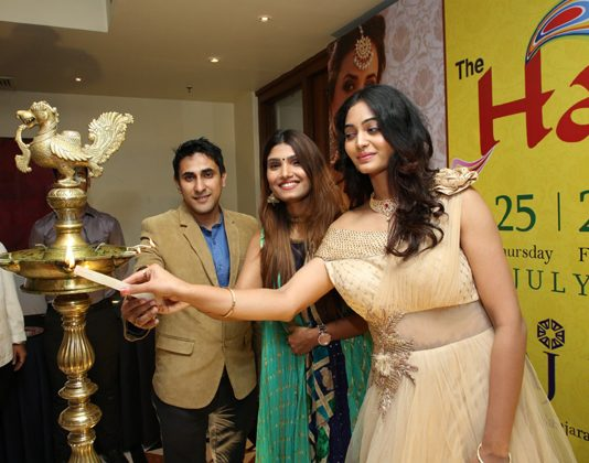Spandana Palli inaugurates The Haat Fashion & Lifestyle Expo Photos