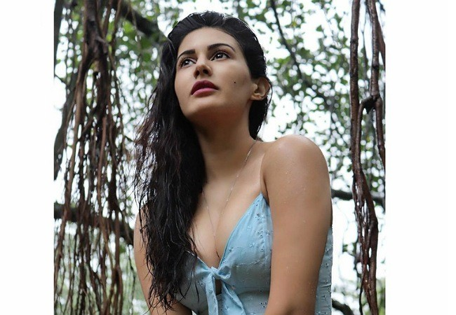 Pic Talk: Hot and sexy Amyra Dastur