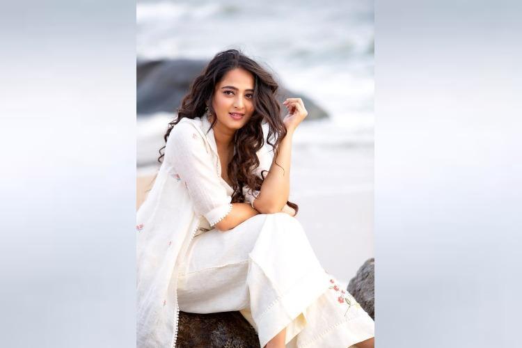 Anushka not comfortable for Nishabhdam promotions