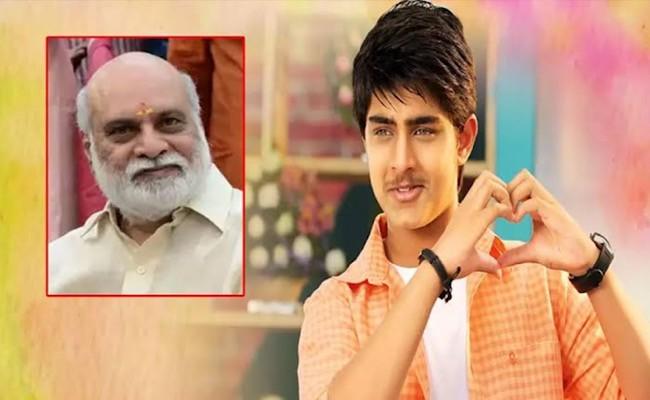 Srikanth's son Roshan making his comeback with Pelli SandaD
