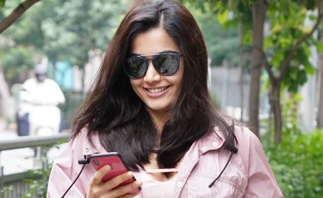 Rashmika Mandanna gives her nod for Akhil Akkineni