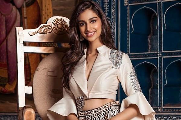 Ravi Teja gets a new girl on board?