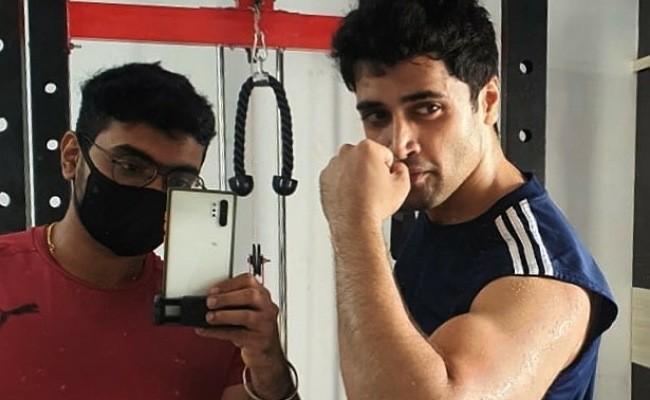 Pic Talk: Adivi Sesh flaunts his muscles