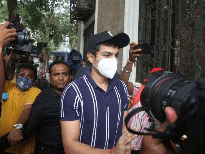Rhea's brother Showik Chakraborty granted bail in drugs case