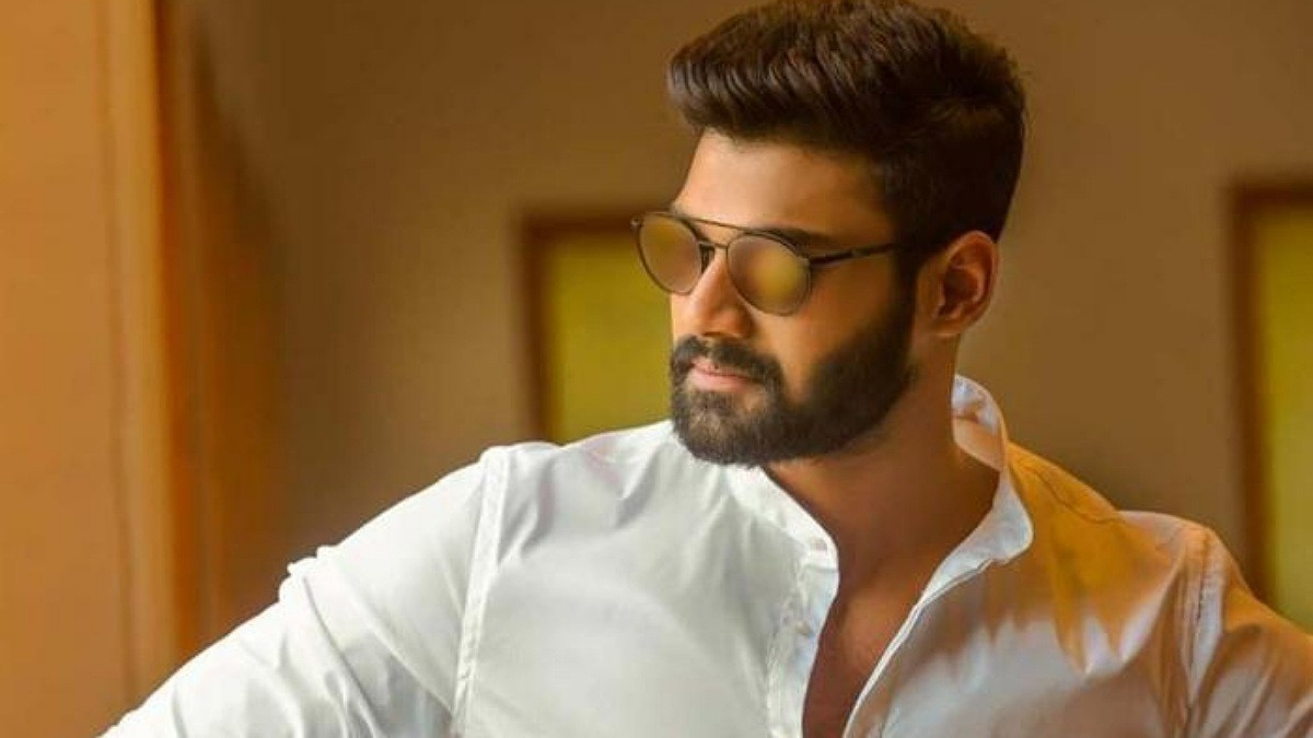 Bellamkonda Sreenivas receives a jolt in Bollywood