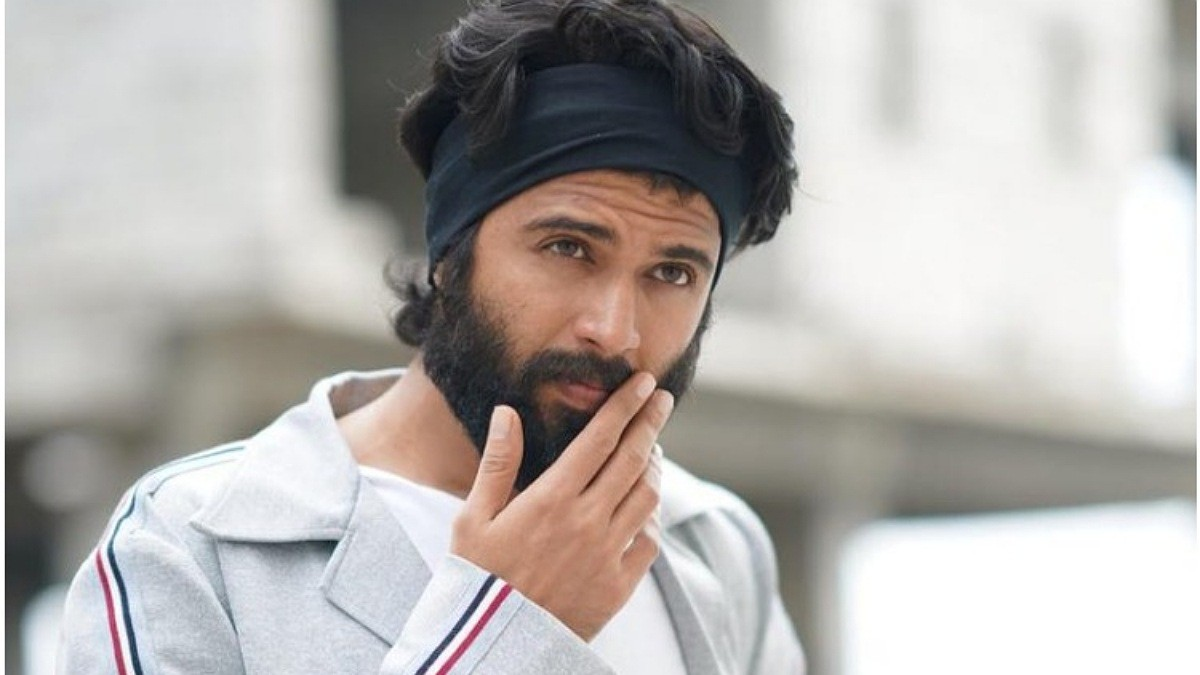 Vijay Devarakonda responds about Fighter delay