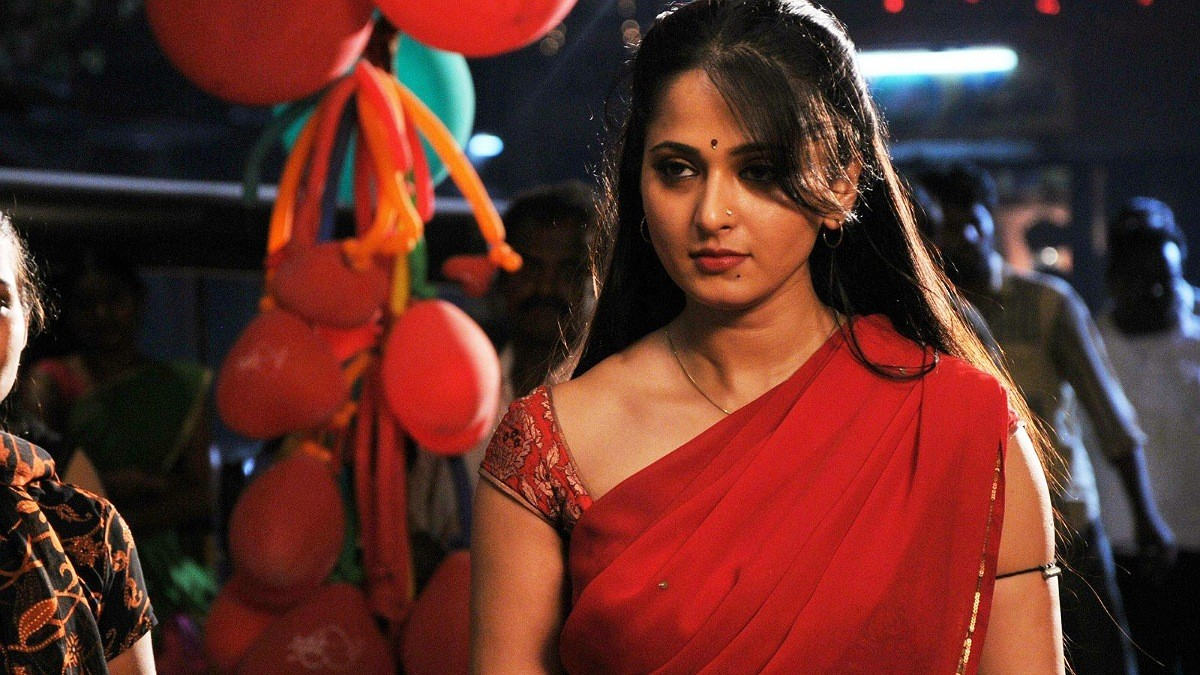 Anushka Shetty signs her next film