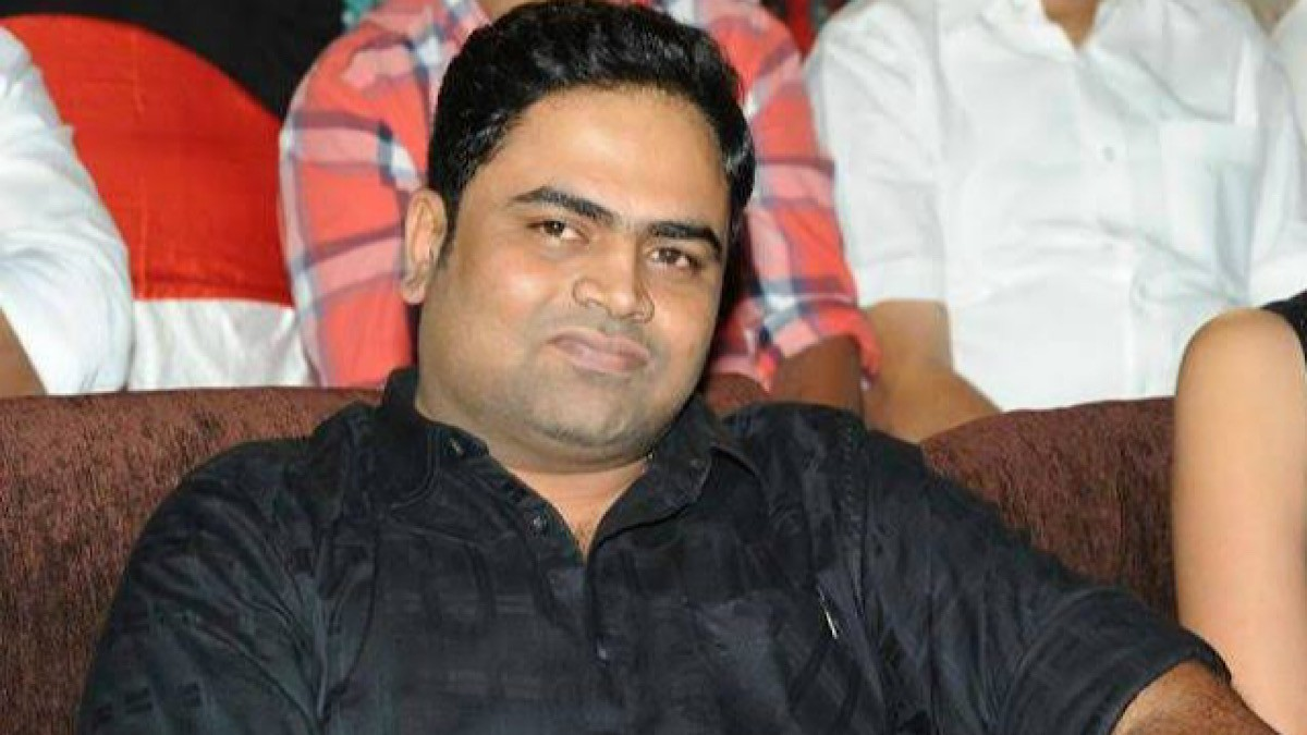 Vamshi Paidipally in dilemma