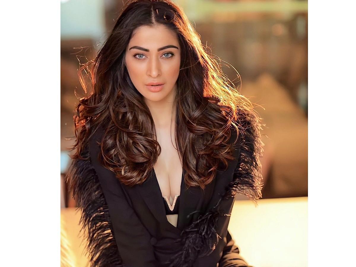 Hot and Stunning Raai Laxmi