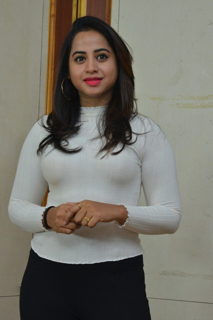 Swathi Deekshith 4
