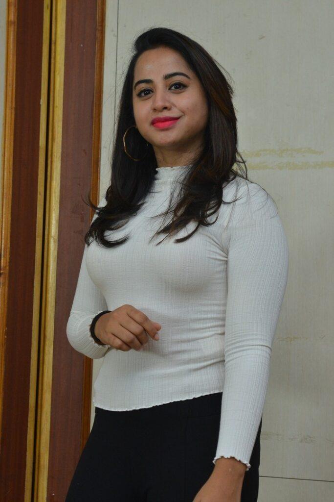 Swathi Deekshith 5