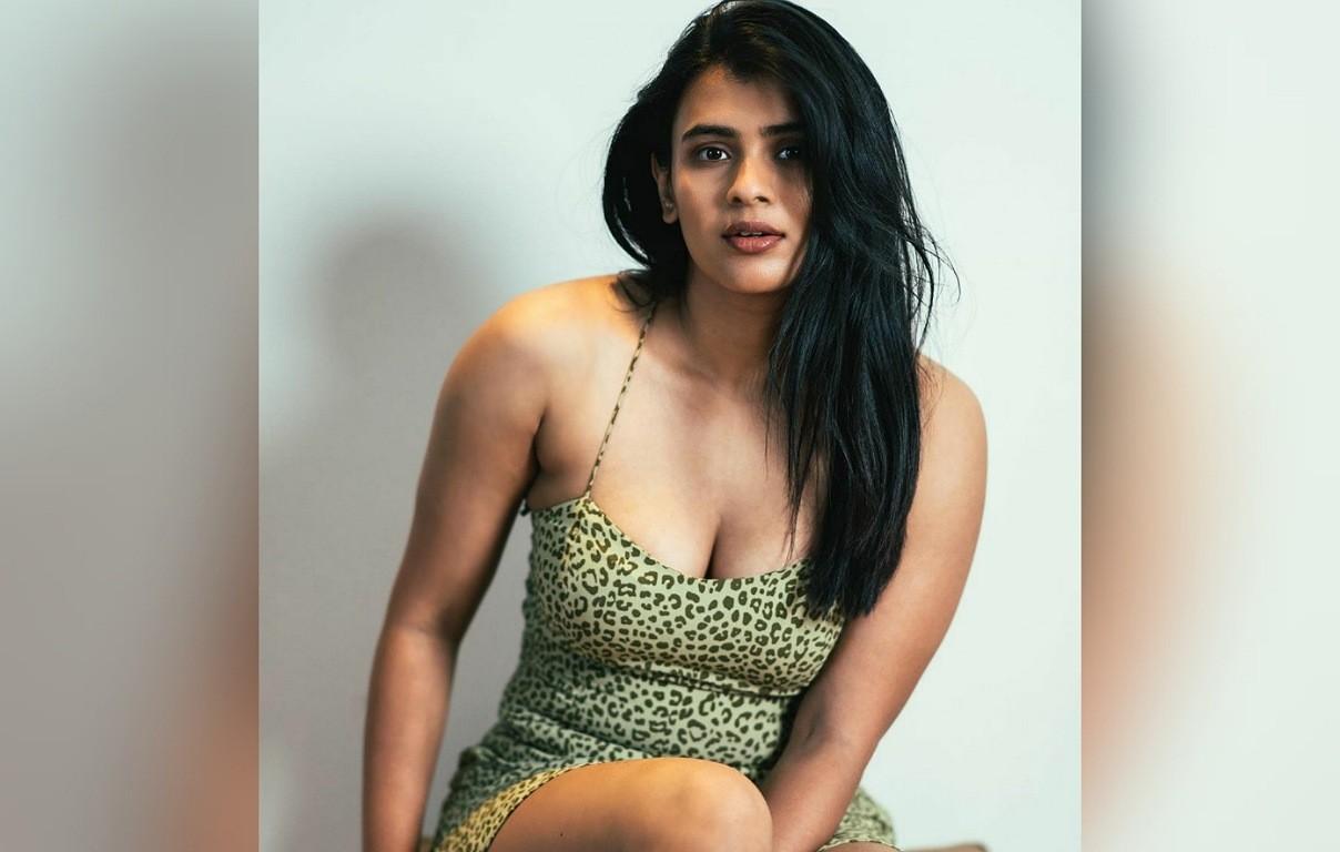 Hebah Patel's Sultry Pose