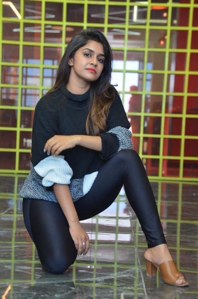 Sanjana Anand 46