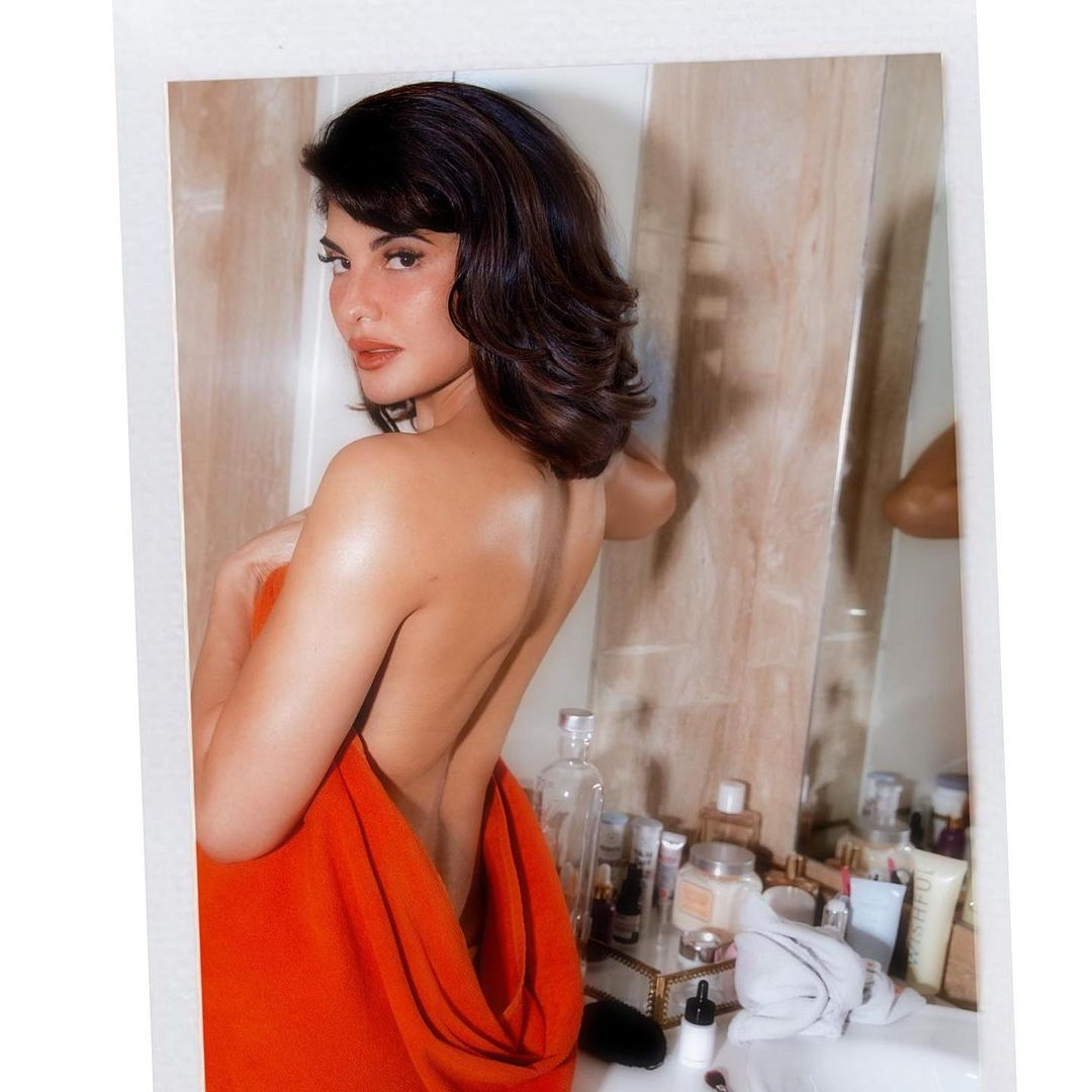 View this post on Instagram A post shared by Jacqueline Fernandez (@jacquelinef143) Jacqueline Fernandez backless pose