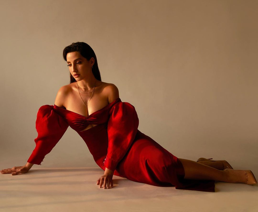 Nora Fatehi explodes in Red