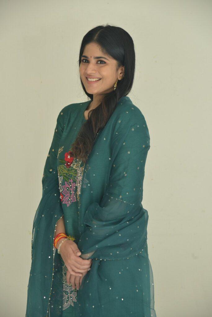 Megha Akash 18