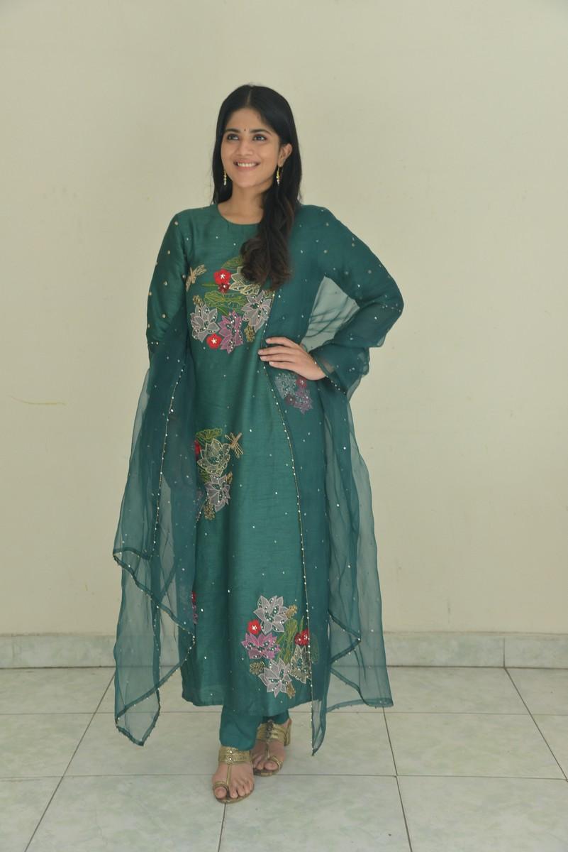 Gorgeous Clicks of Megha Akash