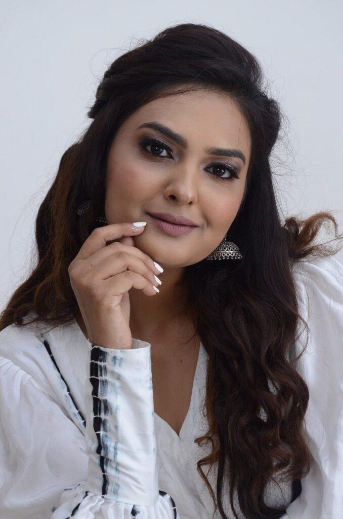 Neha Deshpande 5