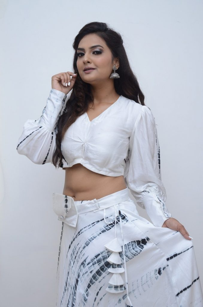 Neha Deshpande 56