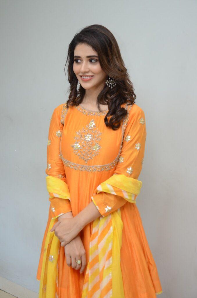 Priyanka Jawalkar 32